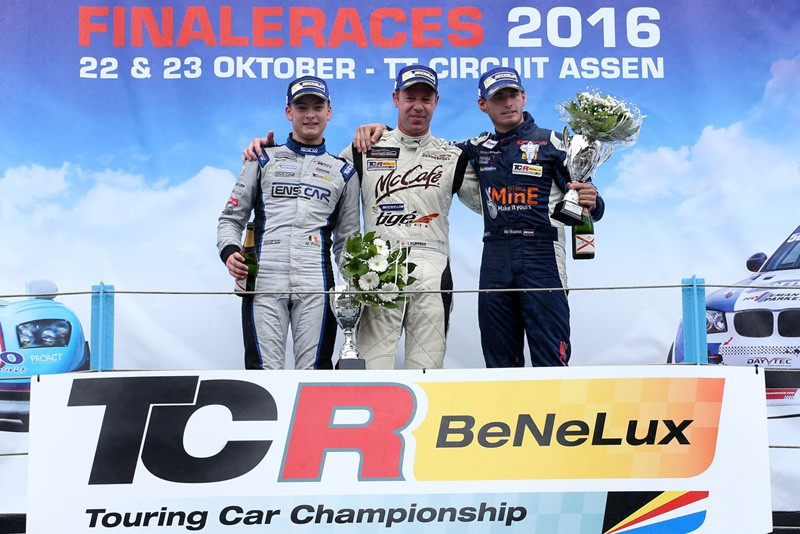 potty_tcr-benelux-2016_assen_podium_letihon-l